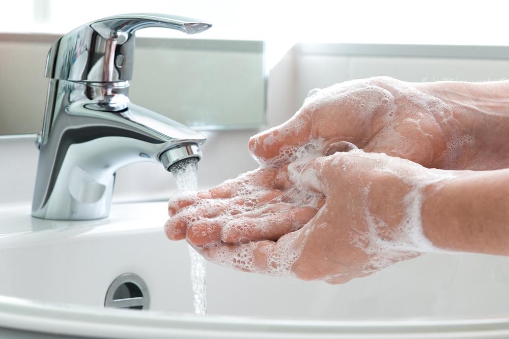 Lavar as mãos é medida importante para proteção!