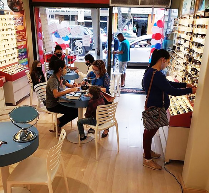 Sindicato firma convênio com o Mercadão dos Óculos: mais 1 benefício para os sócios