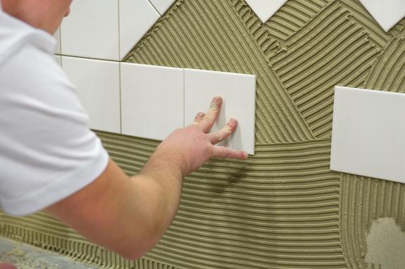 Read more about the article Sindicato procura azuleijista e pintor com experiência para construtora